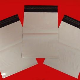 envelope com adesivo para os correios